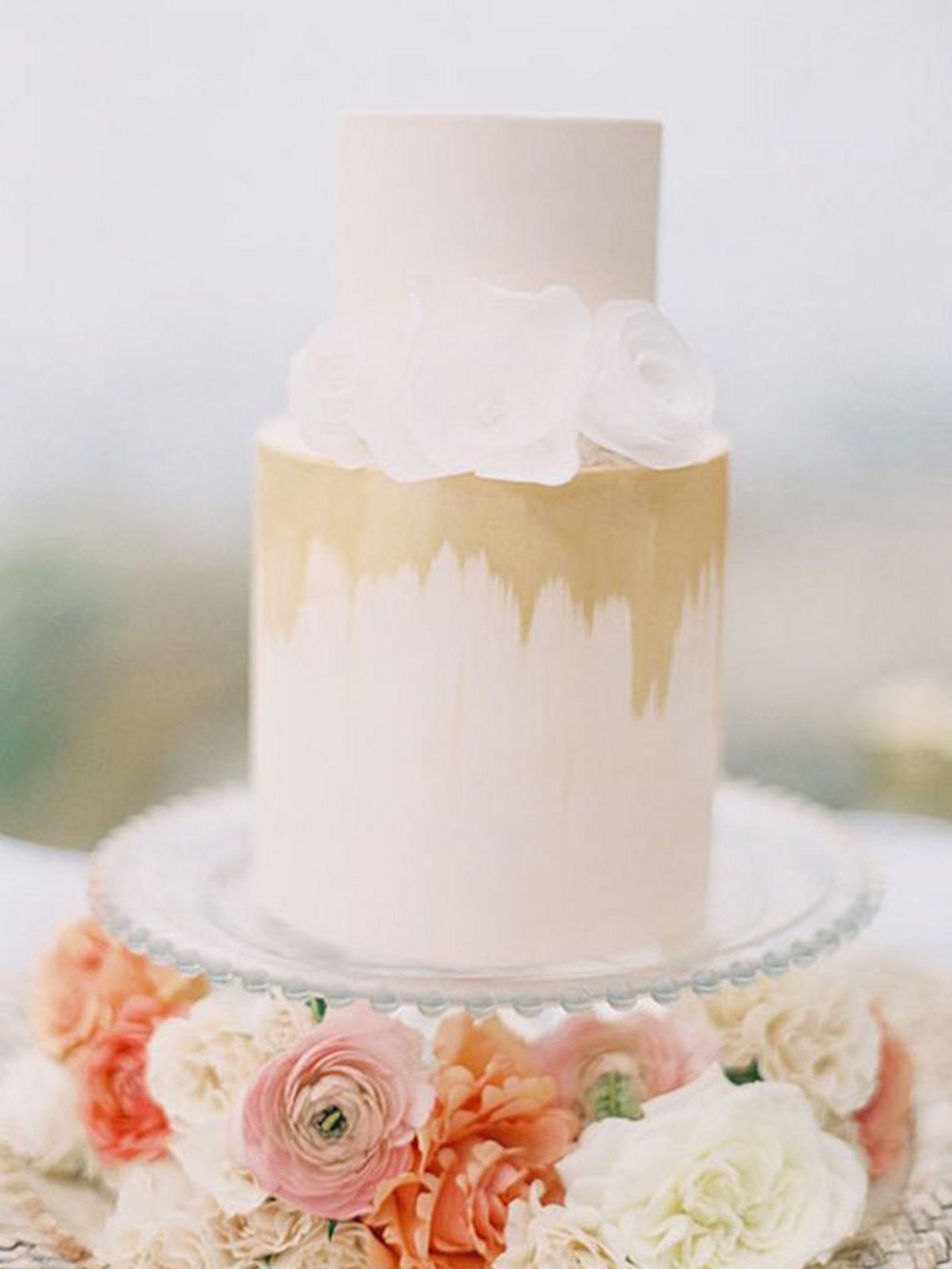 Ultra modern wedding cake ideas lifestyle wedding junglespirit Choice Image