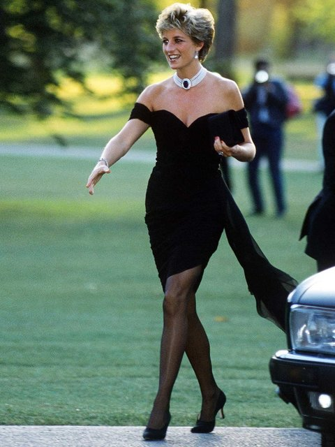 Αποτέλεσμα εικόνας για diana princess of wales velvet LBD she wore in 1994