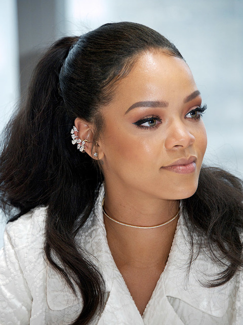 Rihanna Hairstyles Pictures Photo Gallery Rihanna
