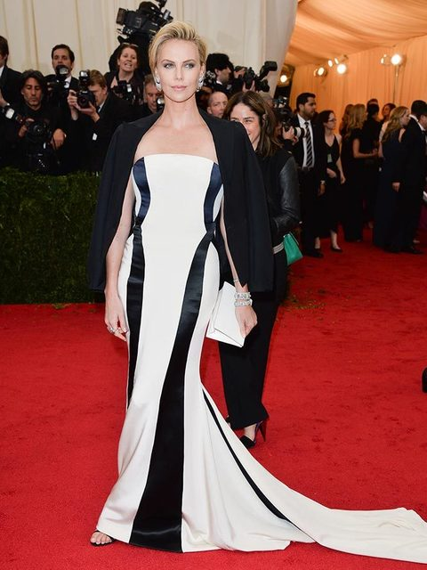 Charlize Theron Best Outfits Changing Fashion Style