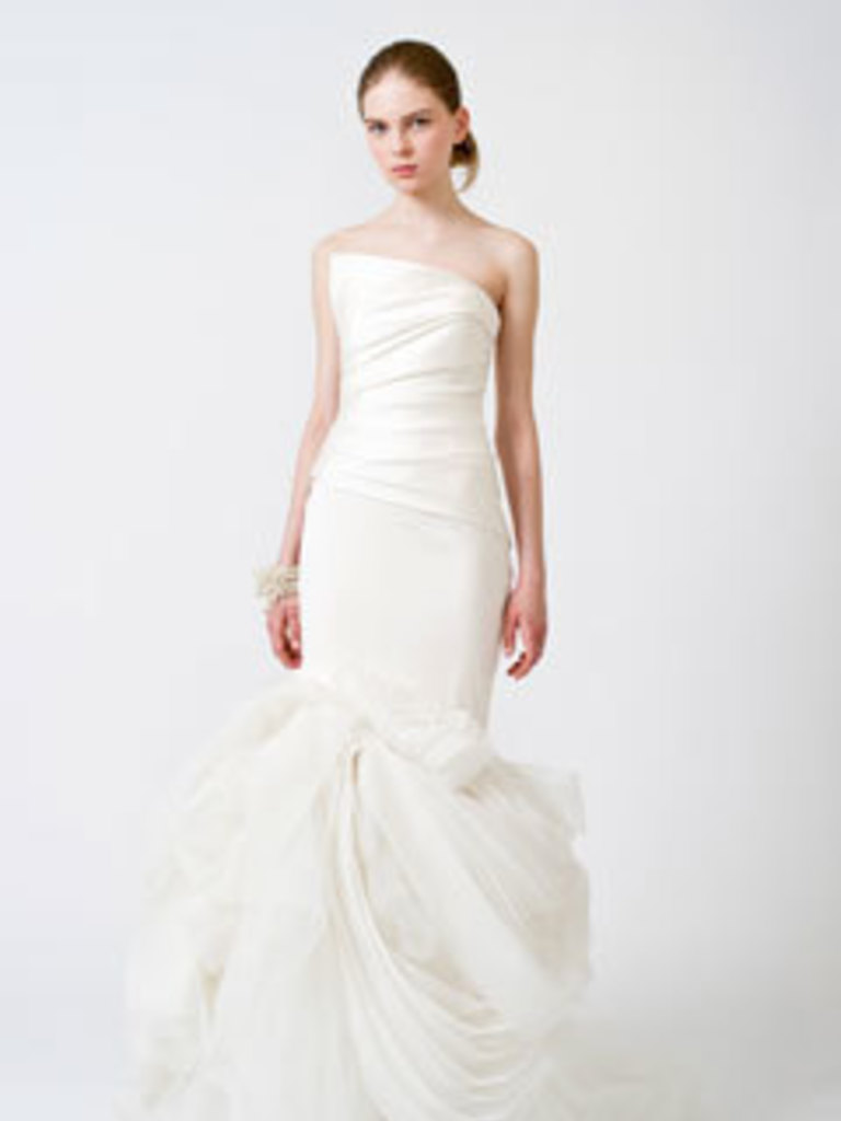 To second hand or not to second hand the fiona dress below for 4000 2442 7 9k new the diana dress for 4500 2746 7 9k new and eliza luxe for 7000 4273 around 9k new ombrellifo Choice Image