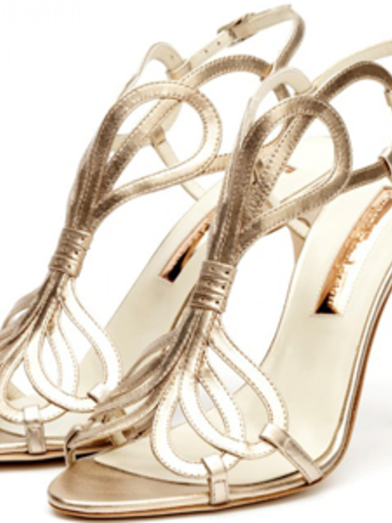 They Remind Me Of The Manalo Blahnik Sandals Kate Moss Chose For Her Wedding Rose Gold Hue Is A Nice Twist On Standard Silver