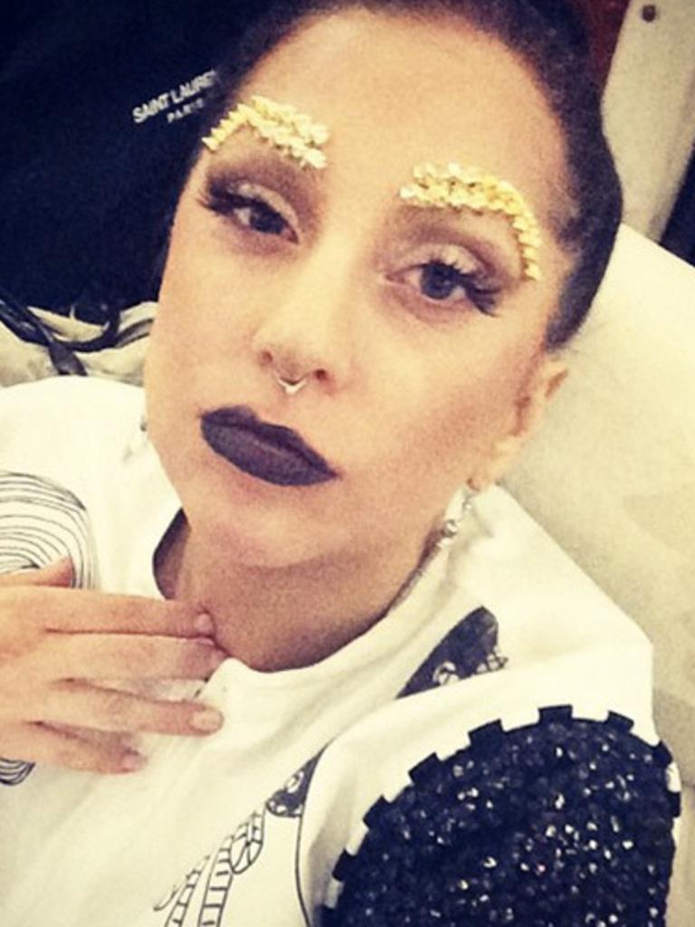 Lady gaga with no makeup