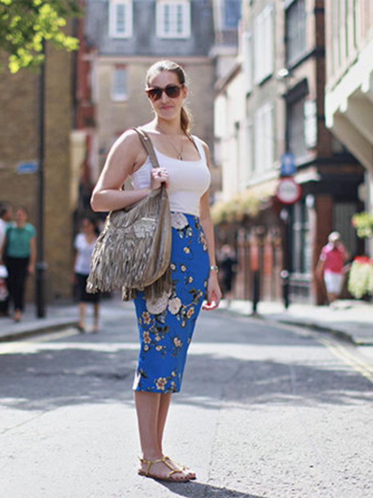 what elle wears tuesday 16th july