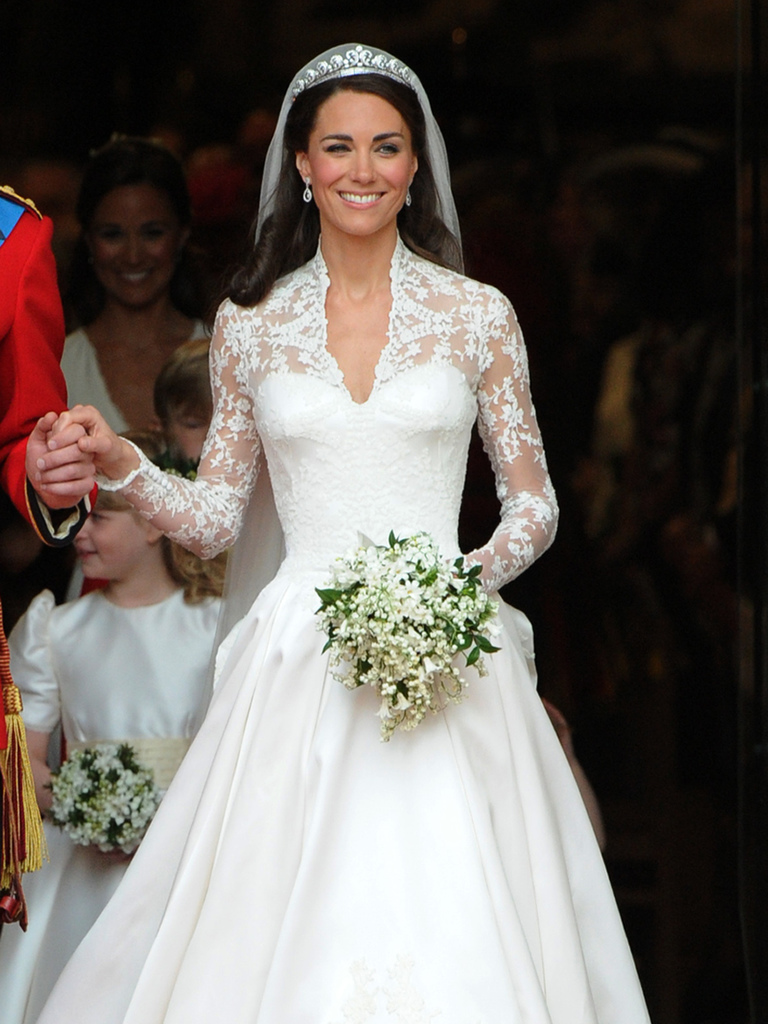 A designer is claiming mcqueen copied her design for kate any suggestion sarah burtons design of the royal wedding dress was copied from her designs was nonsense said a spokesperson for the british brand ombrellifo Choice Image