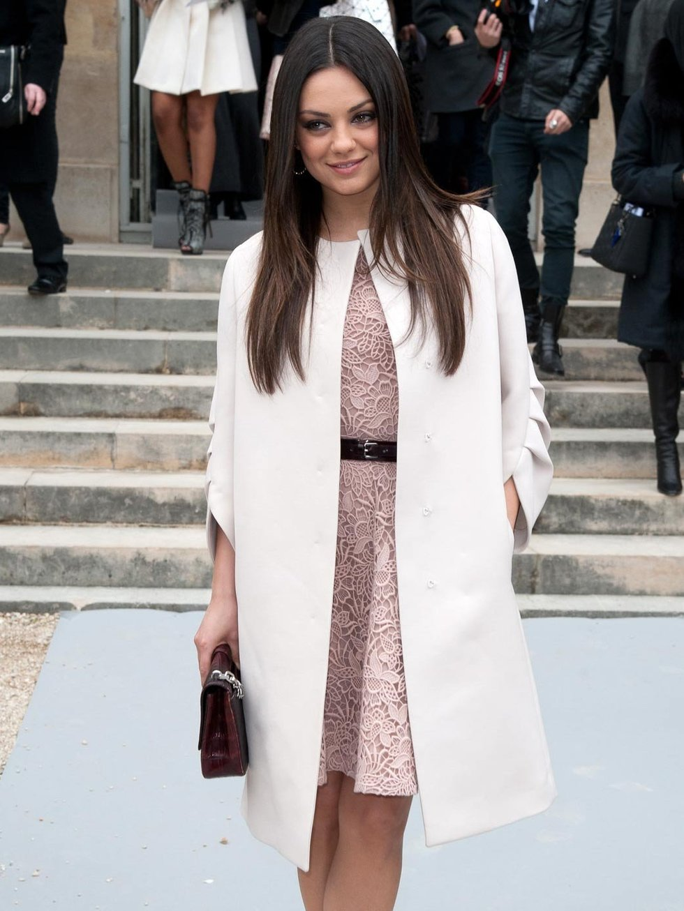 Mila Kunis Fashion Style Images Galleries With A Bite