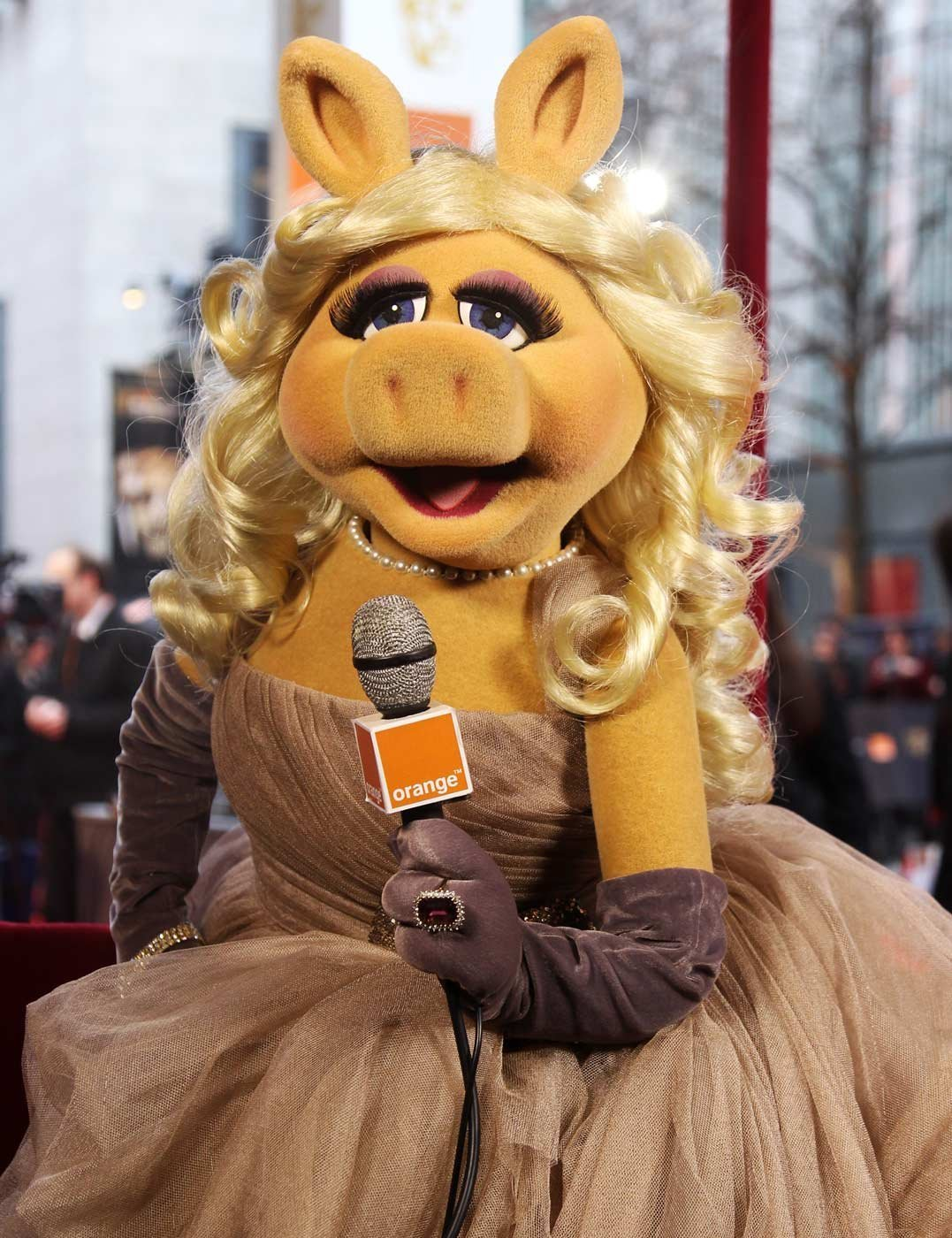 Miss Piggy Admits To Botox