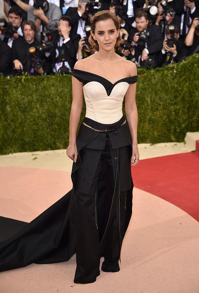 Emma Watson Style Amp Outfits Fashion Celebrity Style