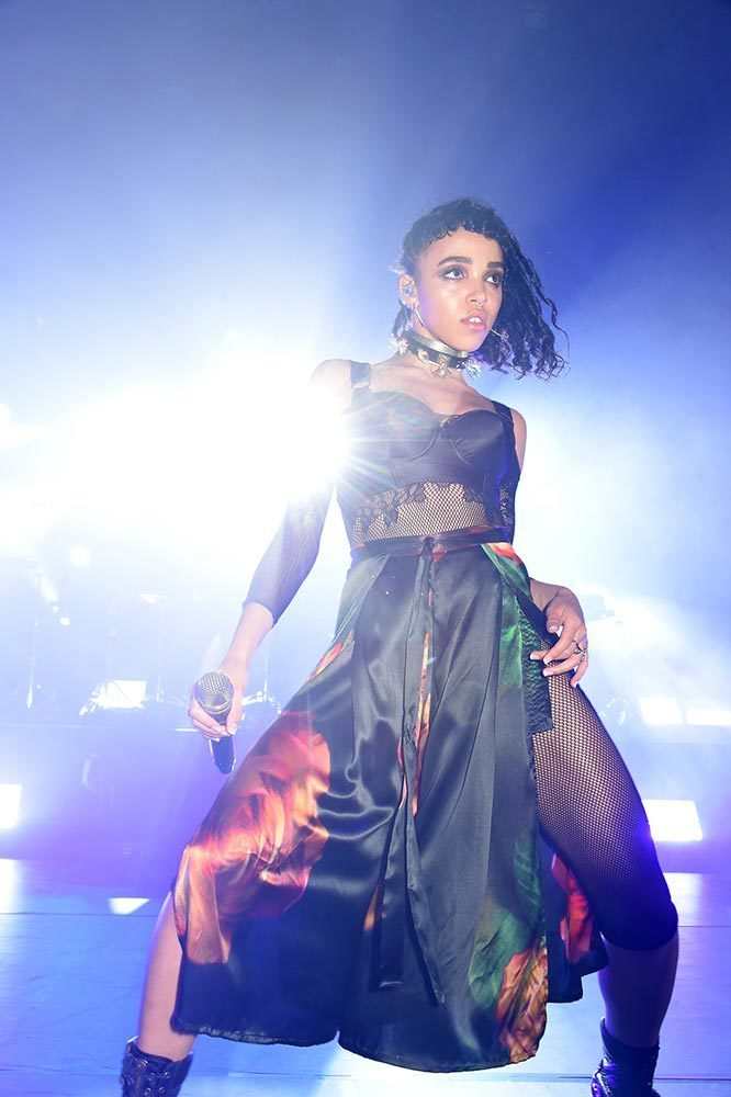 Fka Twigs Style Fashion Outfits Looks