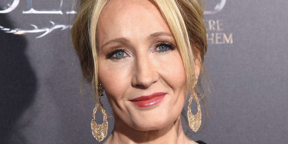 j k rowling uses her magic on twitter to take down mike pence j k rowling on red carpet elle uk
