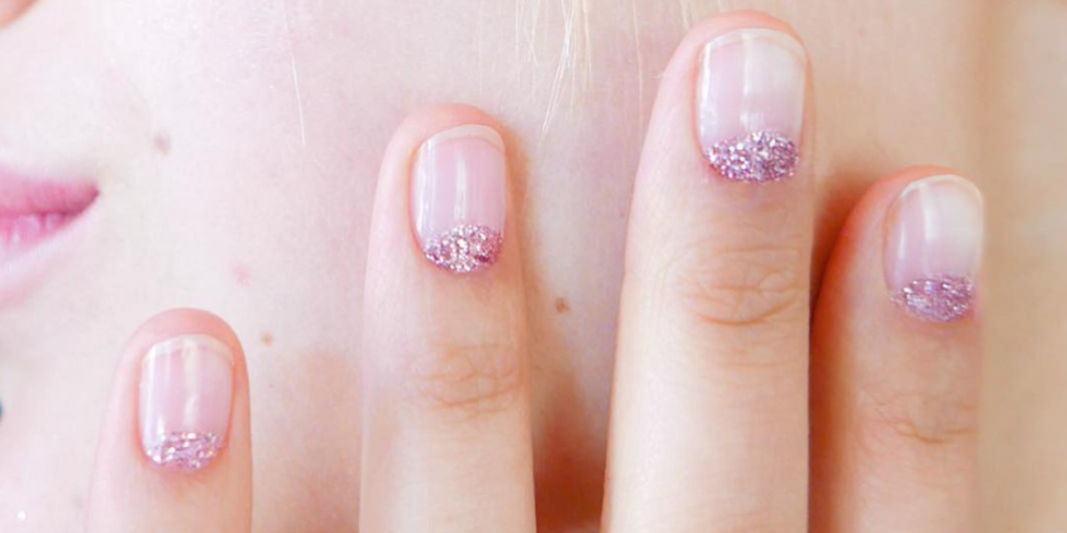 16 stunning minimalist nail art ideas to try prinsesfo Gallery