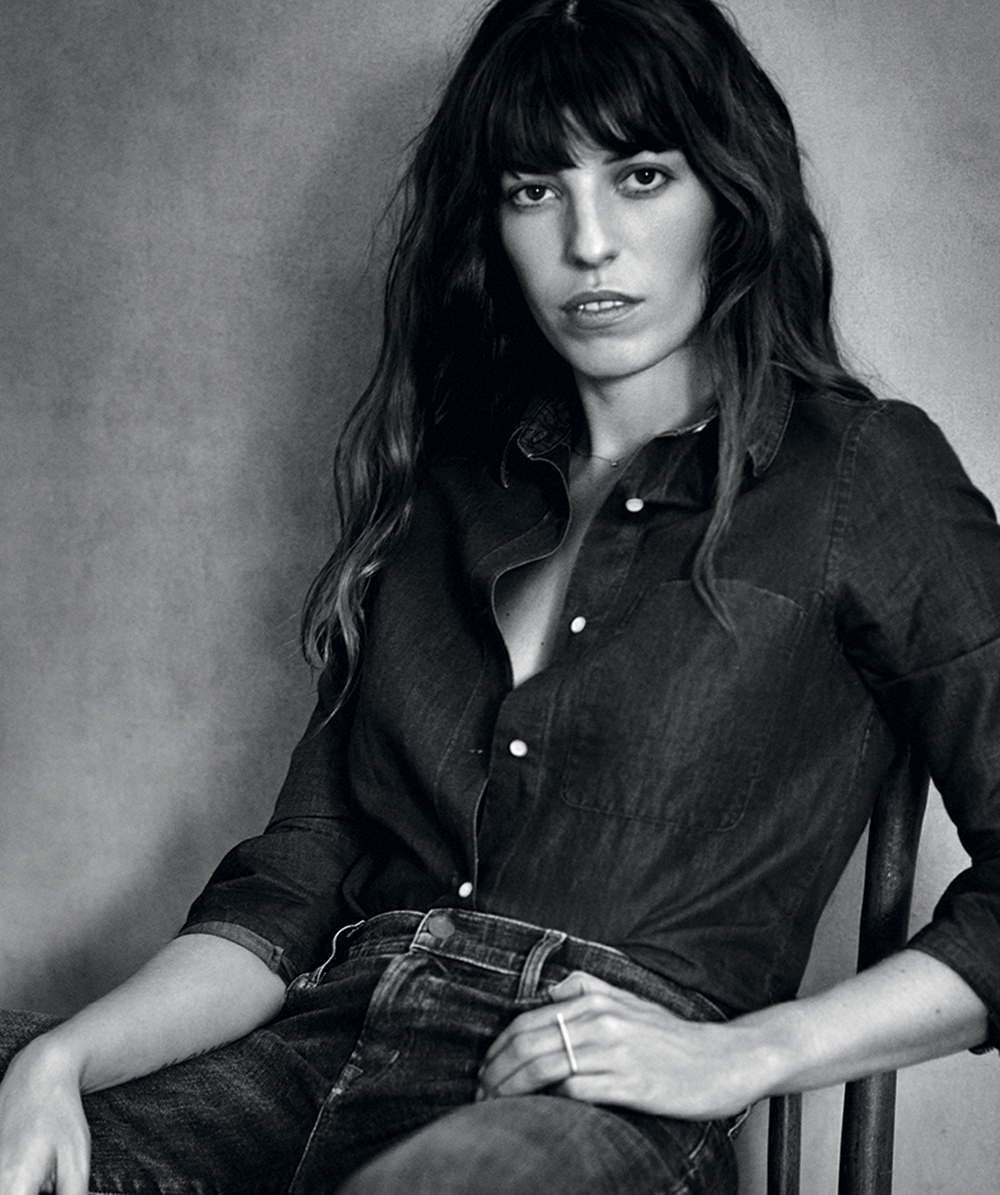 Lou Doillon Nude Photos 38