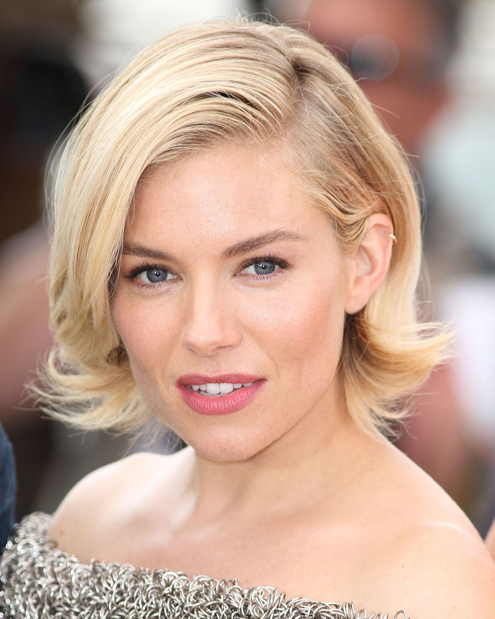 30 Best Short Hair Styles - Bobs, Pixie Cuts, and More Celebrity ...