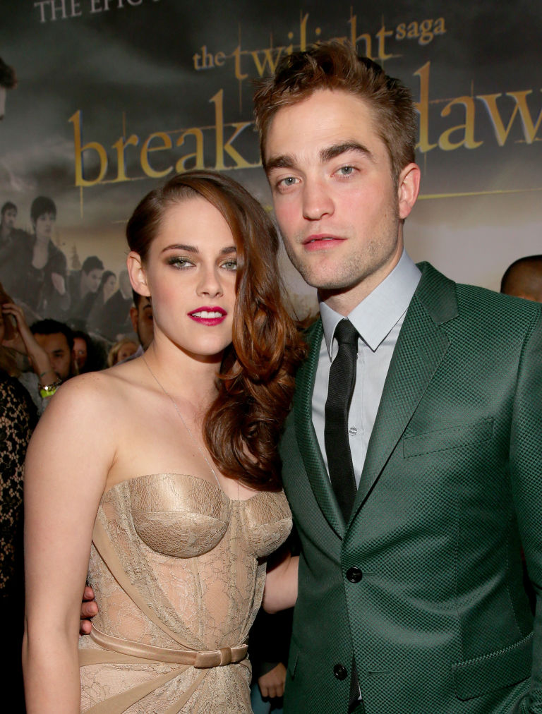 when did bella and edward start dating in real life