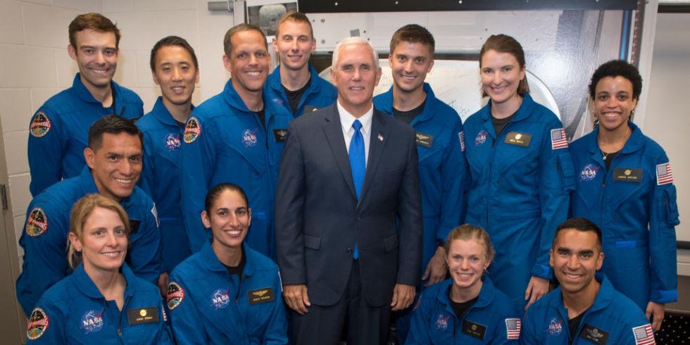 U.S. Vice President Mike Pence Introduces 2017 Astronaut Class | ELLE UK