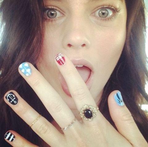 Margot Robbie Celebrity Instagram Nail Art - Nail Art Designs - The Best Celebrity Nail Art For All Your
