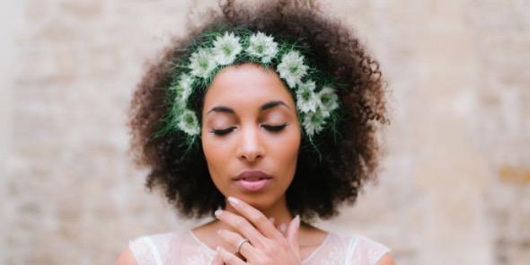 natural textured wedding hair trend and inspiration. Black Bedroom Furniture Sets. Home Design Ideas