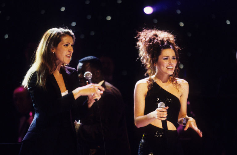 Celine Dion and Shania Twain during VH1 Divas Live at Beacon Theatre in New York City, New York, United States, 1998 | ELLE UK