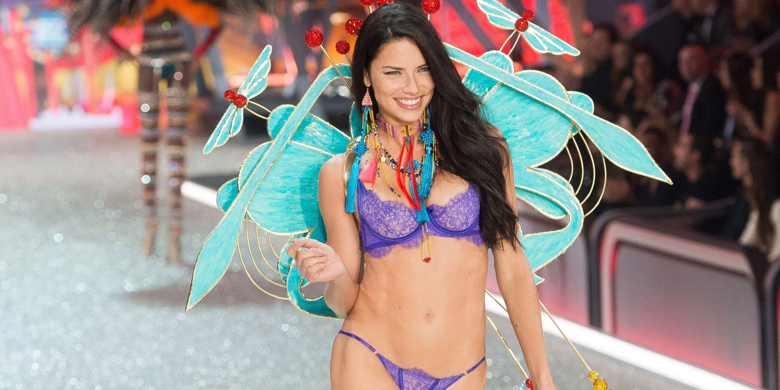 Victoria's Secret Angel Adriana Lima Just Revealed Her Diet and Workout Routine