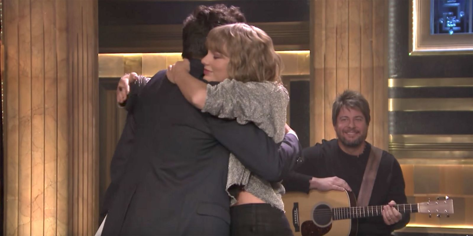 Taylor Swift's Surprise Performance of 'New Year's Day' for Jimmy Fallon Has a Touching Backstory