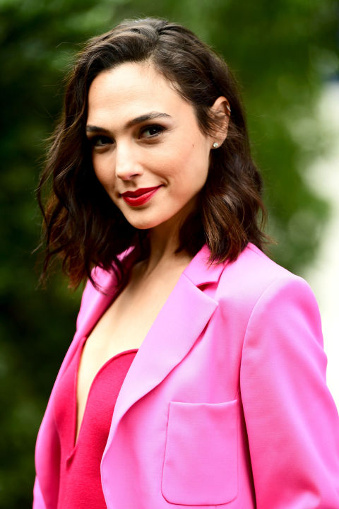 Gal Gadot Proves Pink Is For All Seasons In Stunning