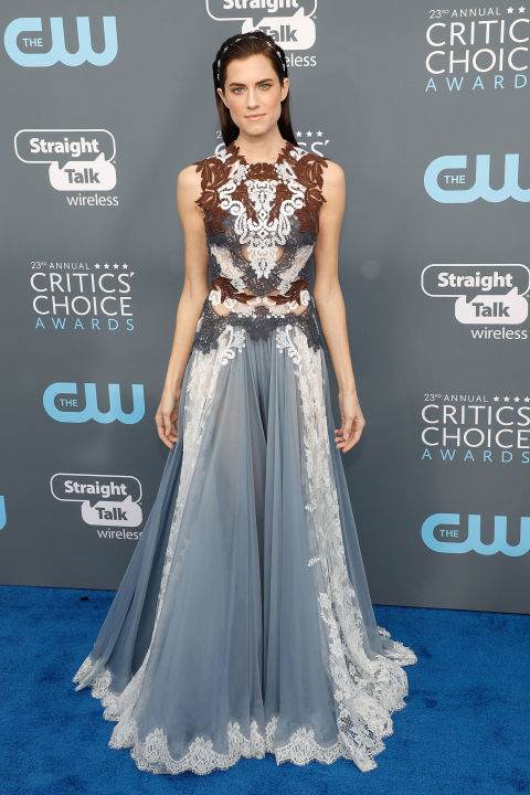 allison-williams-attends-the-23rd-annual-critics-choice-awards.jpg (480×720)