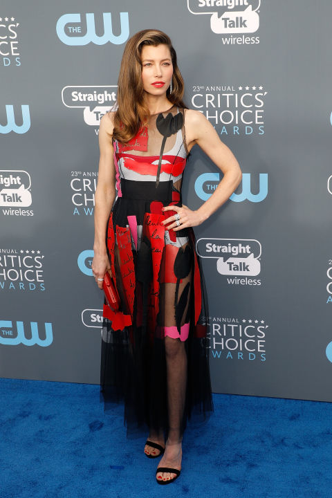 essica-biel-attends-the-23rd-annual-critics-choice-awards.jpg (480×720)